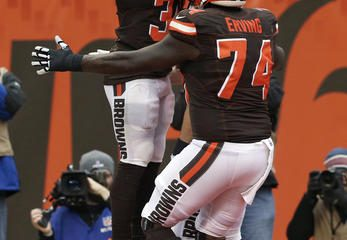 BEREA -- Cameron Erving played guard as a rookie and has been at center throughout his second season. Right tackle looks like the next stop.
